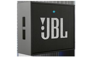 Ein echtes Multitalent für unterwegs! Der tragbare Lautsprecher streamt Musik vom Smartphone oder Tablet via Bluetooth. Zusätzlich verfügt der JBL GO über eine praktische Freisprechfunktion. Anrufe vom Lautsprecher werden mit einem einzigen Tastendruck angenommen, dank des geräuschunterdrückenden Freisprechsystems mit kristallklaren Klang. Der wiederaufladbare Akku bietet bis zu 5 Stunden Wiedergabedauer. Sollte keine Bluetooth-Verbindung bestehen, kann der JBL GO auch über ein Audiokabel verbunden werden. <br> In Schwarz. <br> Maße: 6,8 x 8,2 x 3 cm <br> Gewicht: 130g <br> Zuzahlung: &euro; 1,00<br>