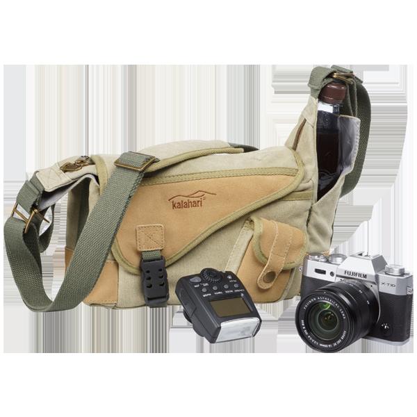 <ul><li>Leichte Canvas-Tasche für alle Gelegenheiten<li>Stabile Polsterung und zwei variable Inneneinteiler zur optimalen Anpassung an die Maße der Kamera und des Zubehörs<li>Der Reißverschluss des Hauptfaches ermöglicht einen schnellen Zugriff zur Ausrüstung<li>Mit schmalem Zubehörfach vorn und hinten sowie an der Frontseite für Akkus oder Filter<li>Zwei zusätzliche offene Seitenfächer<li>Hoher Tragekomfort durch verstellbaren Schultergurt mit ergonomisch geformter Polsterung<li> Abmessungen innen: 22x14x9 cm, Gewicht: 546 g<li>Lieferung ohne abgebildetes Zubehör<li> UVP: 59,95 &euro;, Zuzahlung nur 1 &euro; inkl. MwSt</lI></ul>